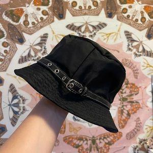 AUTHENTIC VINTAGE COACH BUCKET HAT